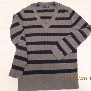Tommy Hilfiger Sz XL TG/XG V neck knit top